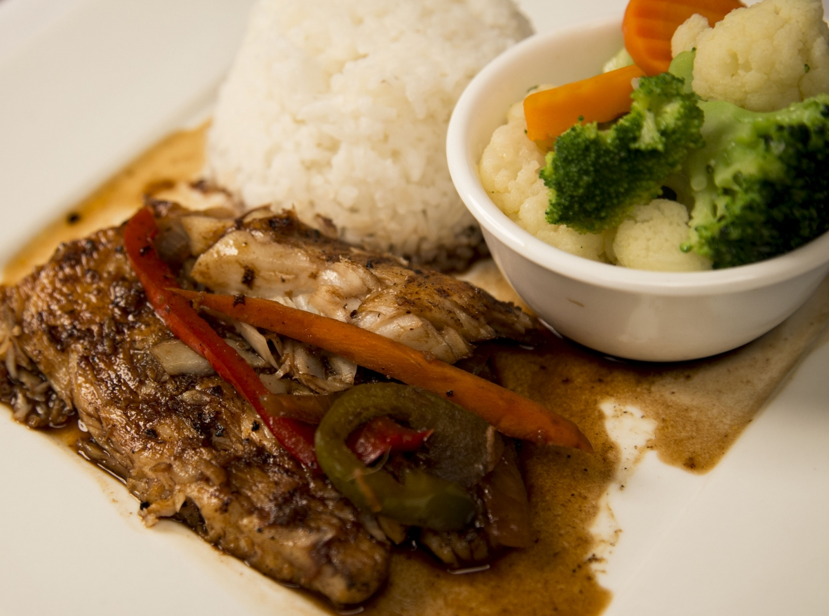 Jerk Fish with Steamed Rice & Mix Garden Vegetables